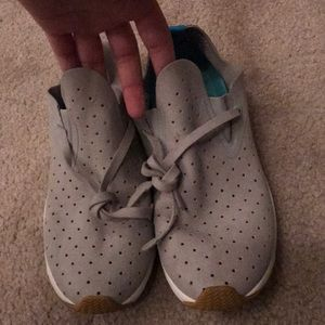 Native light grey shoes